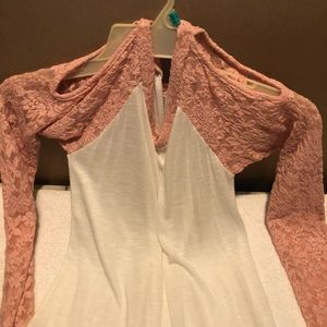 Tops - PENELOPE T-SHIRT WITH PINK LACE SLEEVES
